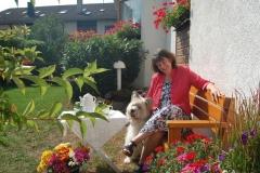 Pension-Lenz-023-Frau-Lenz-mit-Hund